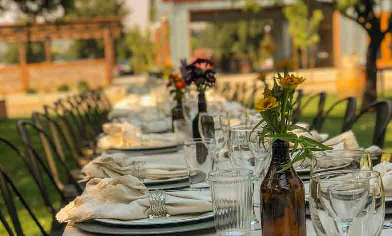 Orchard Dining at Taber Ranch